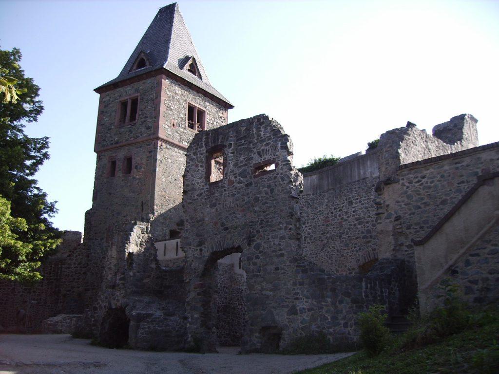 chateau frankenstein